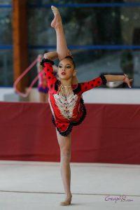 ... compétition internationale pour cette jeune gymnaste. Les heures passée  au gymnase 9116e1e3bf6